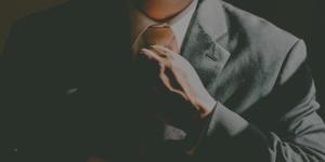 Retraite d'entreprise gérants en Allemagne- Patron avec costume et cravatte